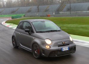Fiat-695_Abarth_Biposto_2015_1600x1200_wallpaper_18