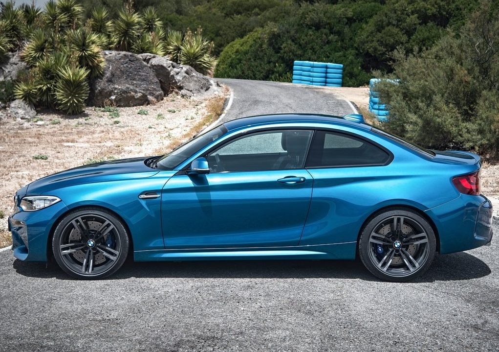 BMW-M2_Coupe_2016_1024x768_wallpaper_10