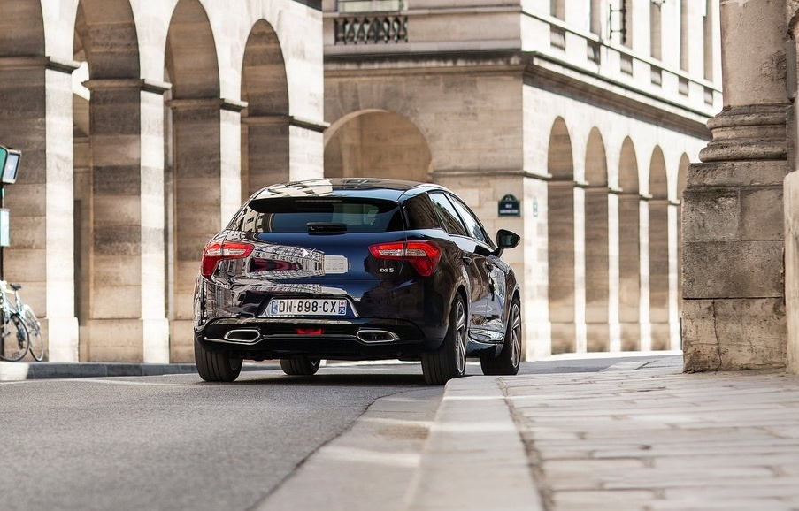 Citroen-DS5_2016_1024x768_wallpaper_18