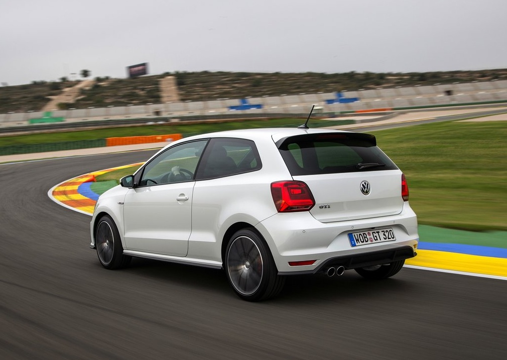 Volkswagen-Polo_GTI_2015_1024x768_wallpaper_20