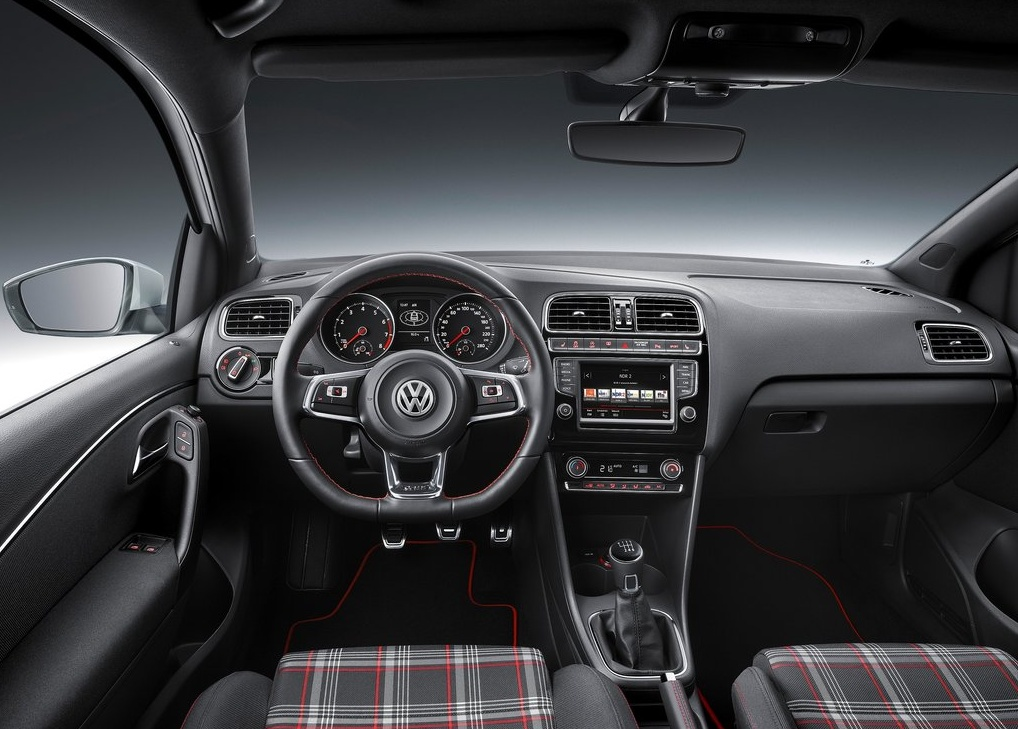 Volkswagen-Polo_GTI_2015_1024x768_wallpaper_2d