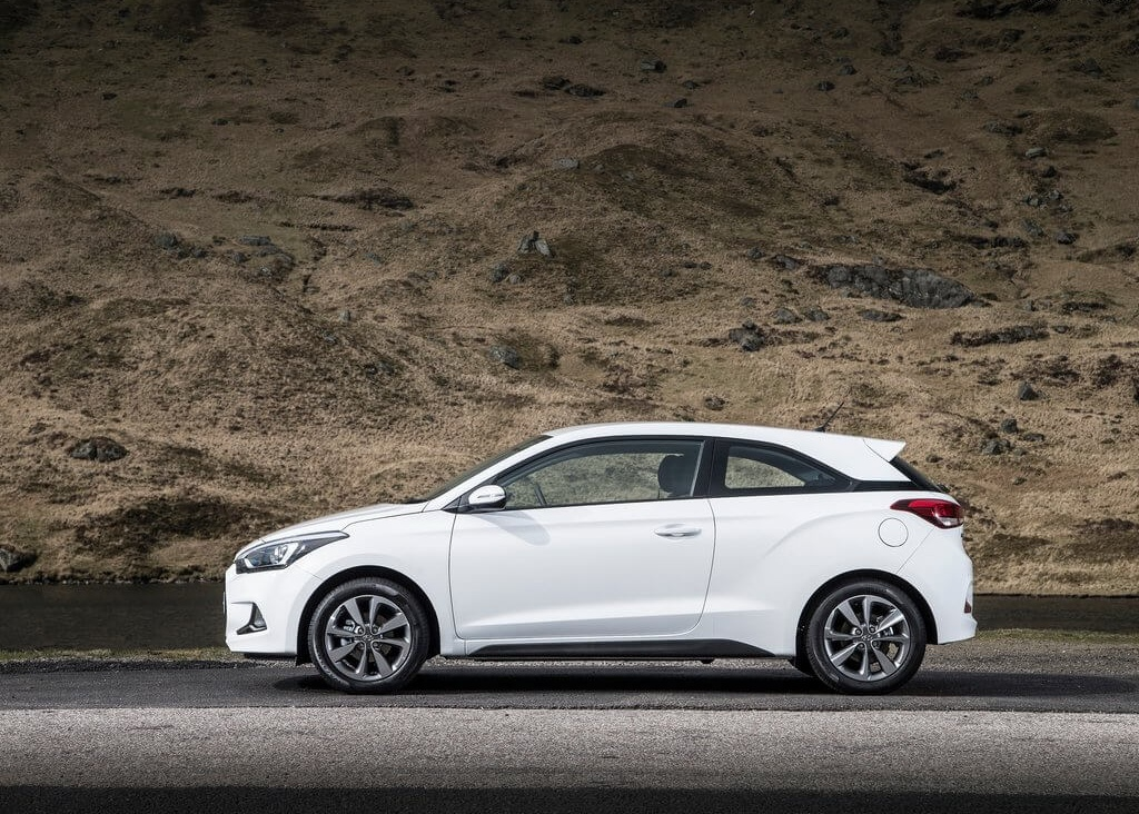 Hyundai-i20_Coupe_2015_1024x768_wallpaper_19