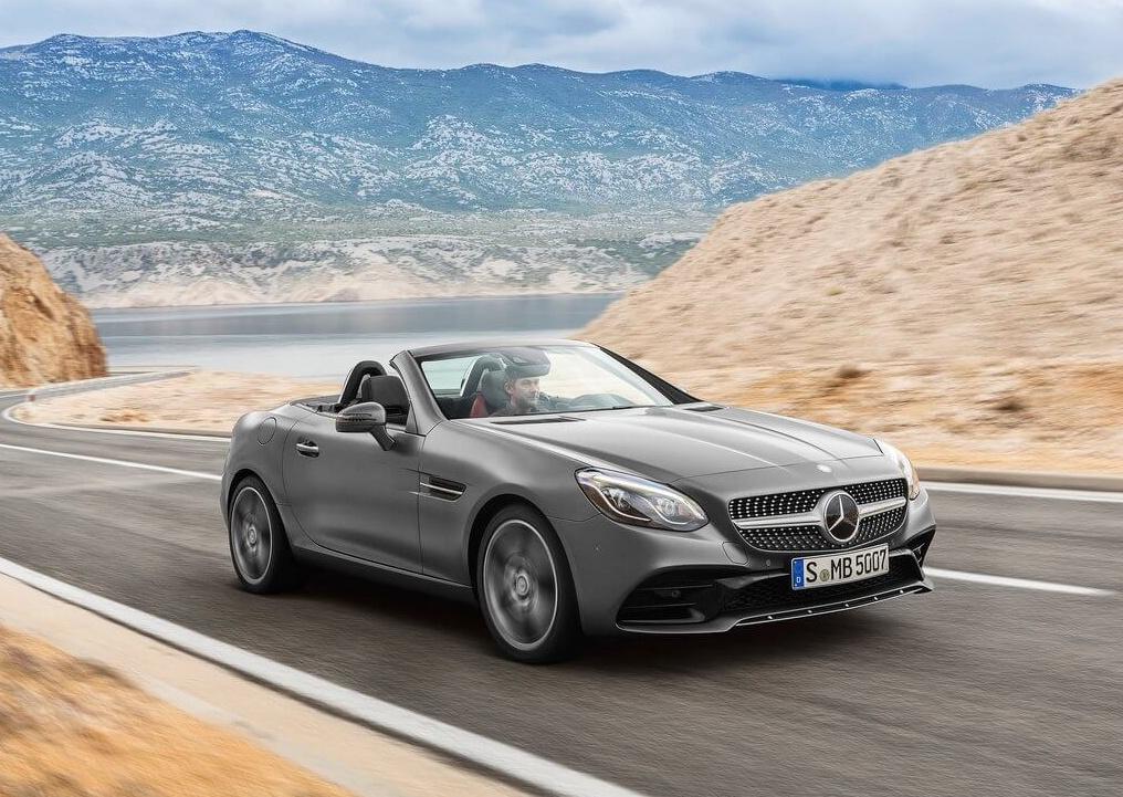 Mercedes-Benz-SLC_2017_1024x768_wallpaper_03