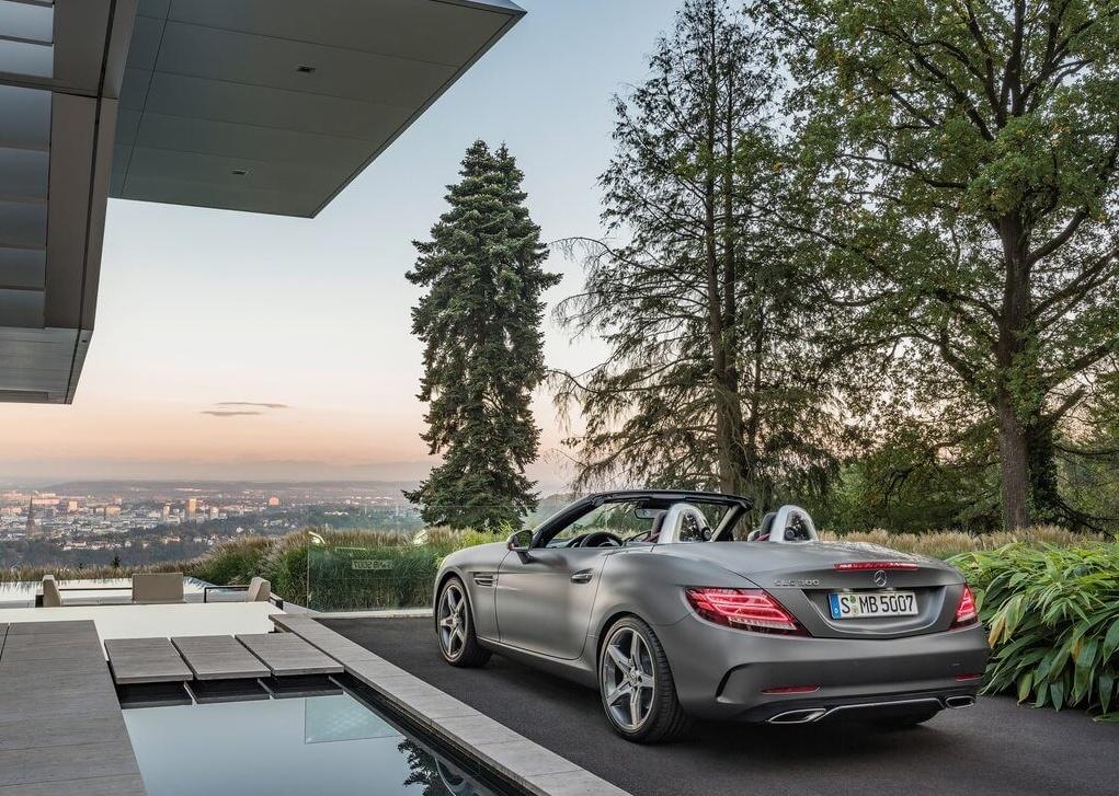 Mercedes-Benz-SLC_2017_1024x768_wallpaper_09