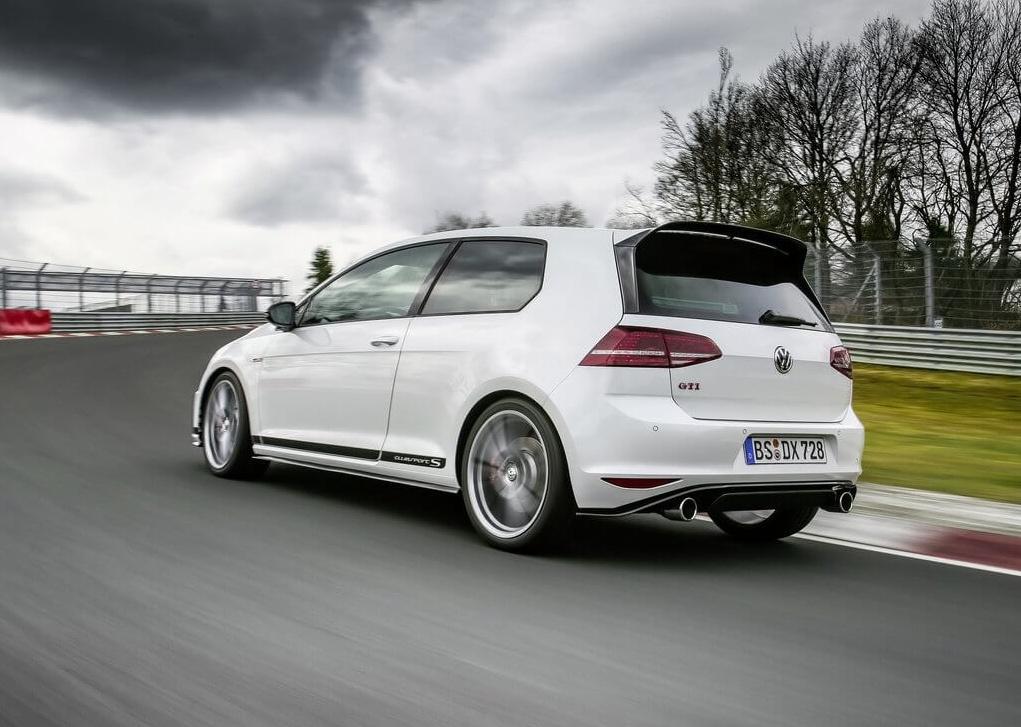 Volkswagen-Golf_GTI_Clubsport_S-2017-1024-13