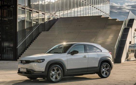 Το νέο MX-30, το πρώτο αμιγώς ηλεκτρικό αυτοκίνητο της Mazda