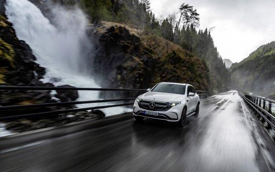 Δωρεάν χιλιόμετρα για τα αμιγώς ηλεκτρικά & Plug-in υβριδικά αυτοκίνητα Mercedes-Benz & smart EQ