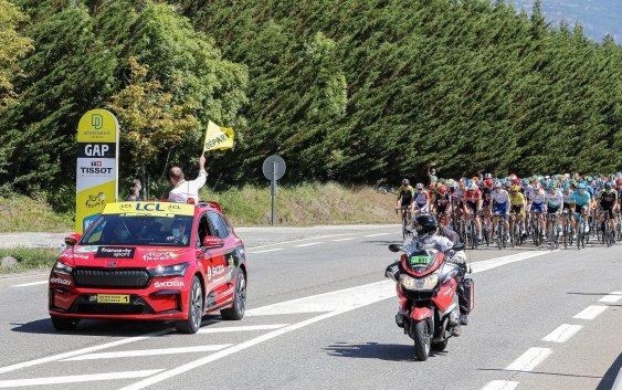 Η SKODA σχεδιάζει τα τρόπαια για τους νικητές του Tour de France