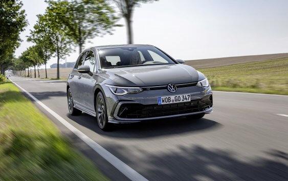 Νέες εκδόσεις Volkswagen Golf: mild-hybrid με 130 ίππους και R-Line