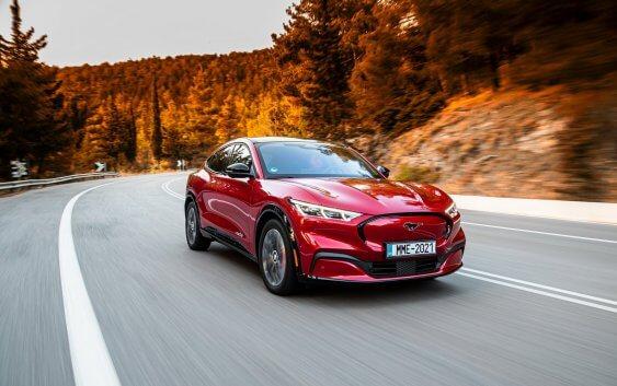 Ford Mustang Mach-E. Οδηγούμε την ηλεκτρική Mustang στην επίσημη ελληνική πρεμιέρα της!